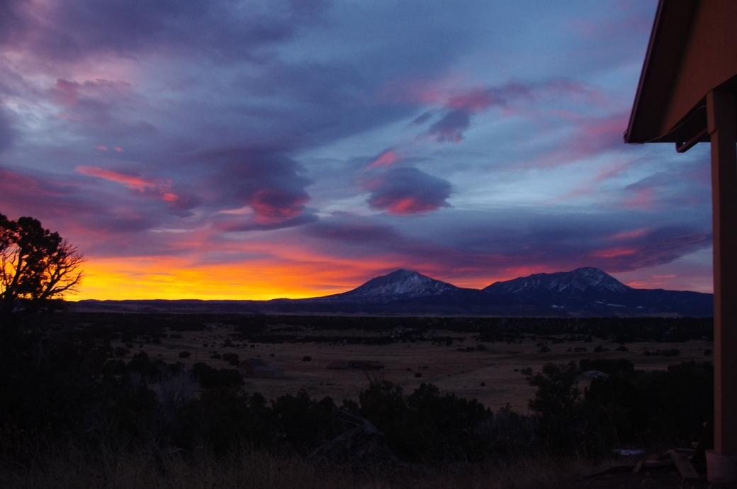 AMAZING sunrise over the Spanish Peaks January 2018
