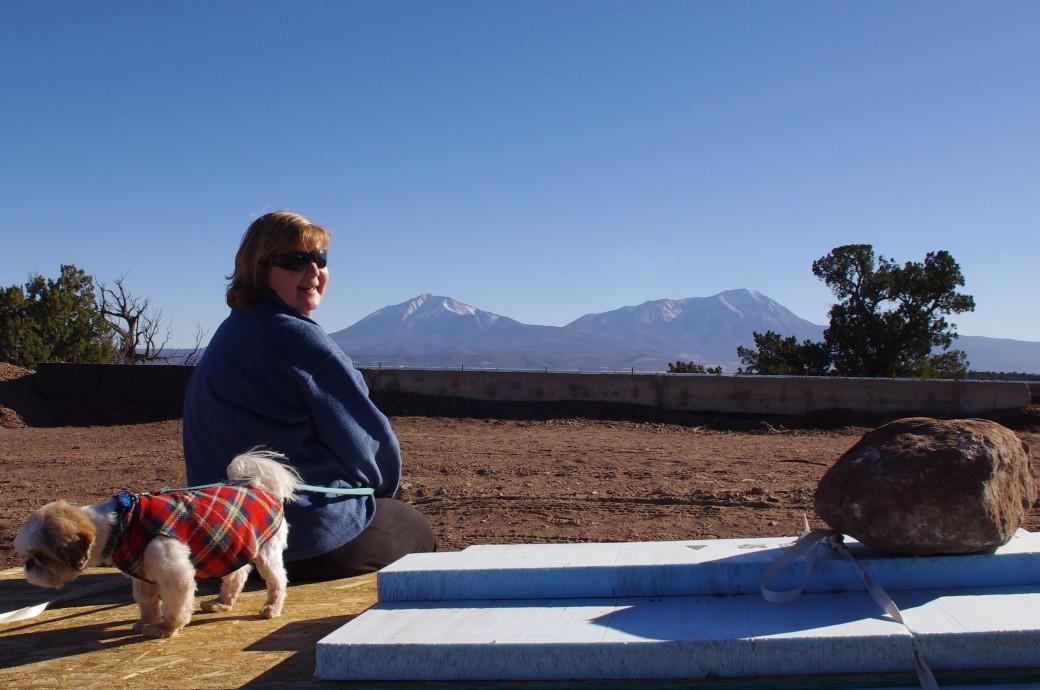 Laura and Rasta on insulation 2014 (2)