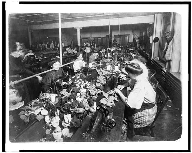 women working in a factory early 1900s