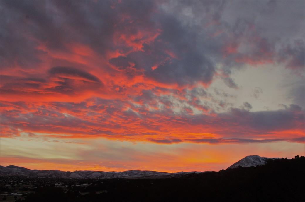 sunset-january-24-2020-mount-mestas-clouds-2